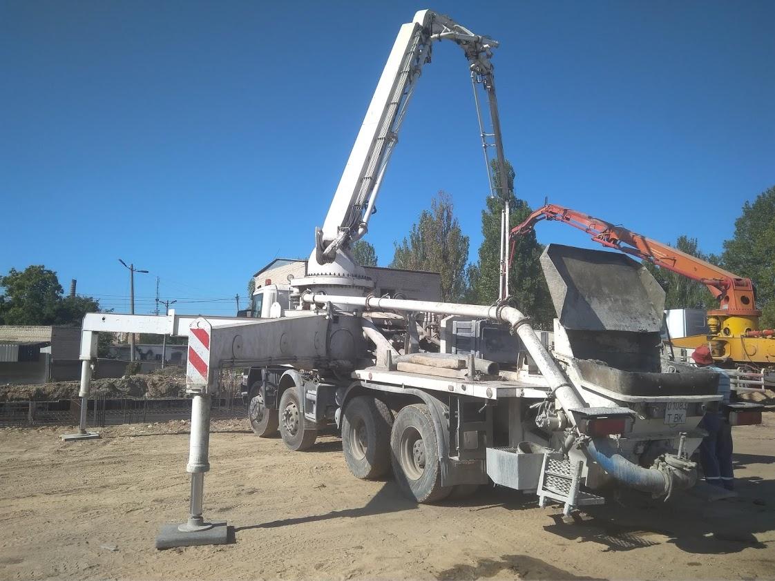 Доставка бетона Херсон Планета РС, бетононасос стрела